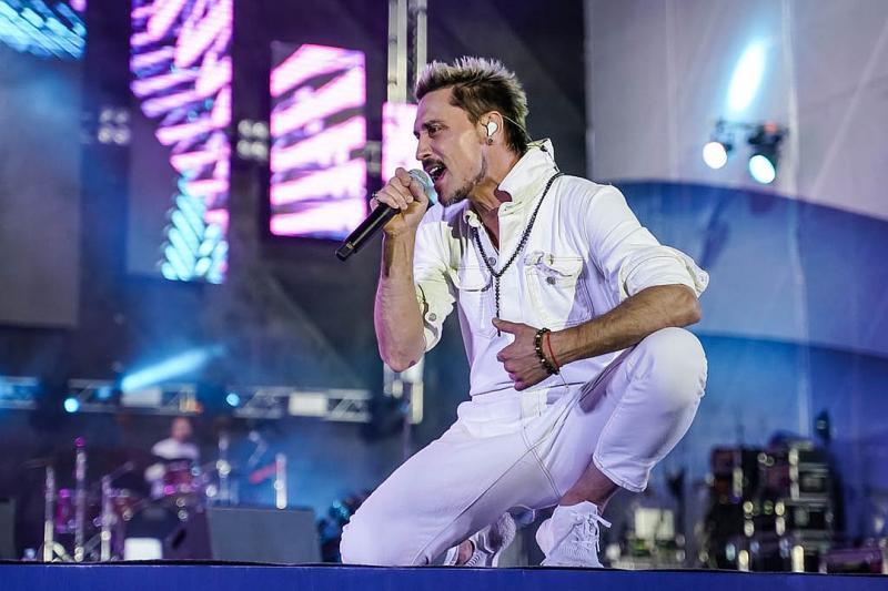 Дима Билан на концерте в Самаре