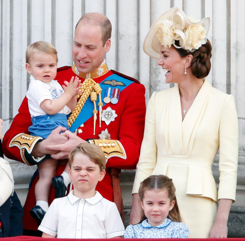 принц Уильям с супругой Кейт Миддлтон и детьми