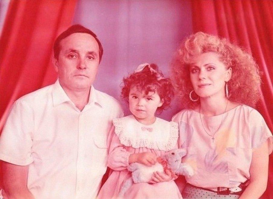 Настя с родителями Алексеем и Лидией