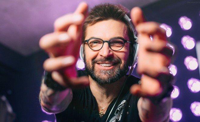 Александр Анатольевич на мероприятии в качестве dj