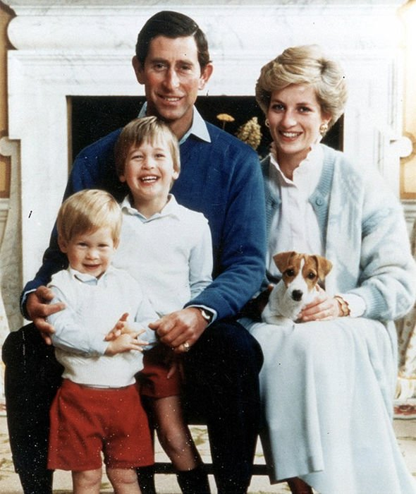 Принц Чарльз с принцессой Дианой и сыновьями Уильямом и Гарри