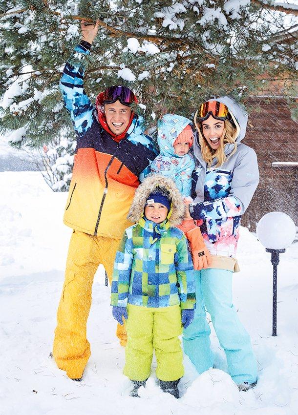 С мужем Павлом Прилучным и детьми