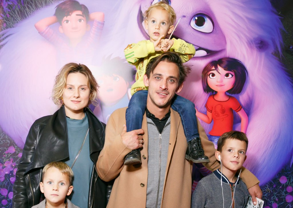 Михаил Башкатов с семьей и детьми
