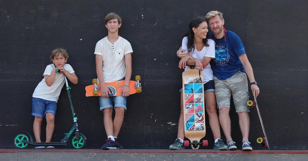 Андрей Рожков с семьей