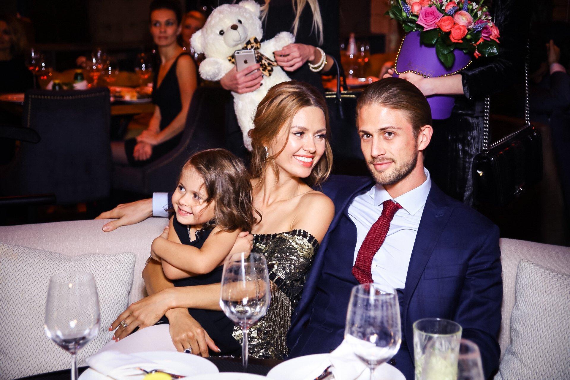 С Викторией Боней и дочерью