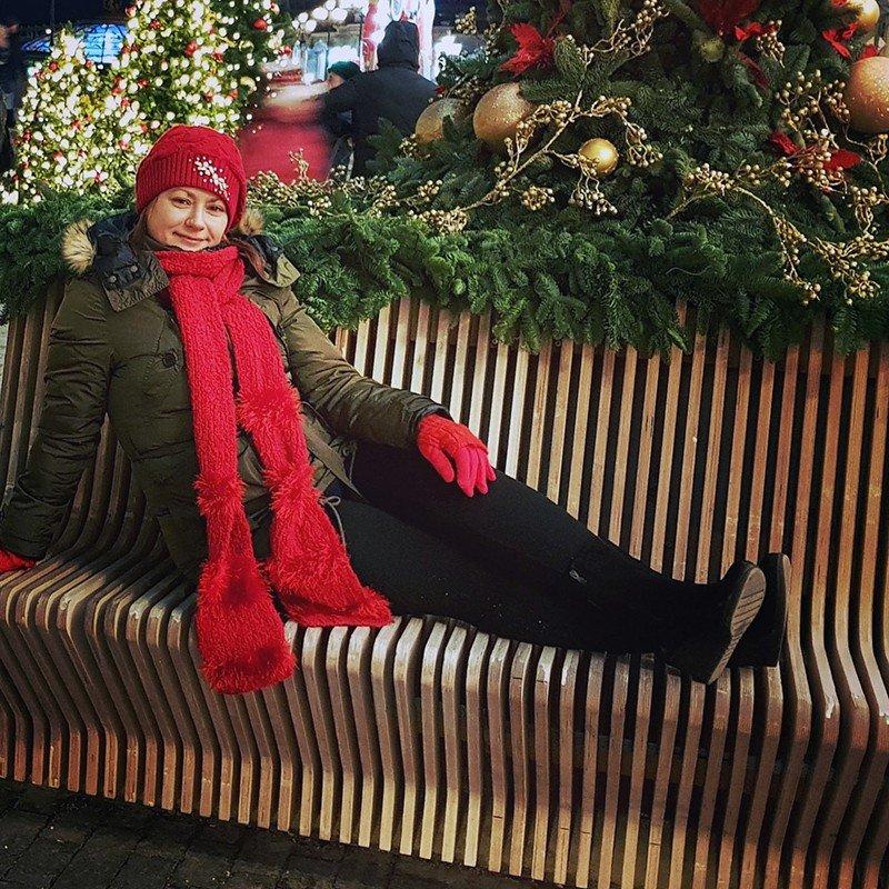 Автор: xPANTERAx, Фотозал: Мое хобби, Вязаный красный длиннющий шарф))