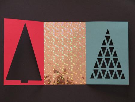 Вот здесь хорошо видно все три части открытки. Эта - моя самая любимая из всех, потому что, серебряная, блестящая бумага - это обертка от коробки моих самых любимых марципановых конфет.