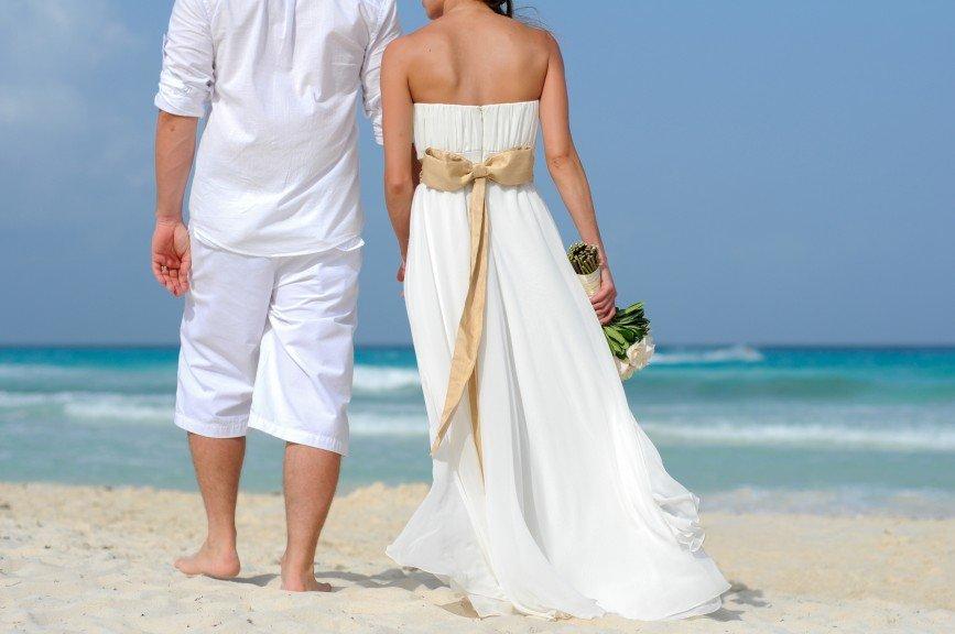 нарезку фотографии свадебных пар на море других