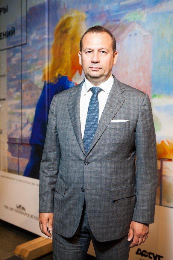 Иван Ургант с супругой и другие звезды посетили уникальную выставку