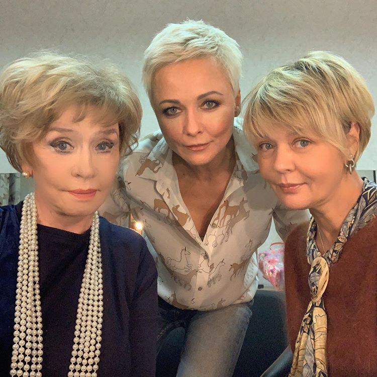 Ах, какая женщина! Дарья Повереннова опубликовала свежее фото похорошевшей Веры Алентовой и ее дочери