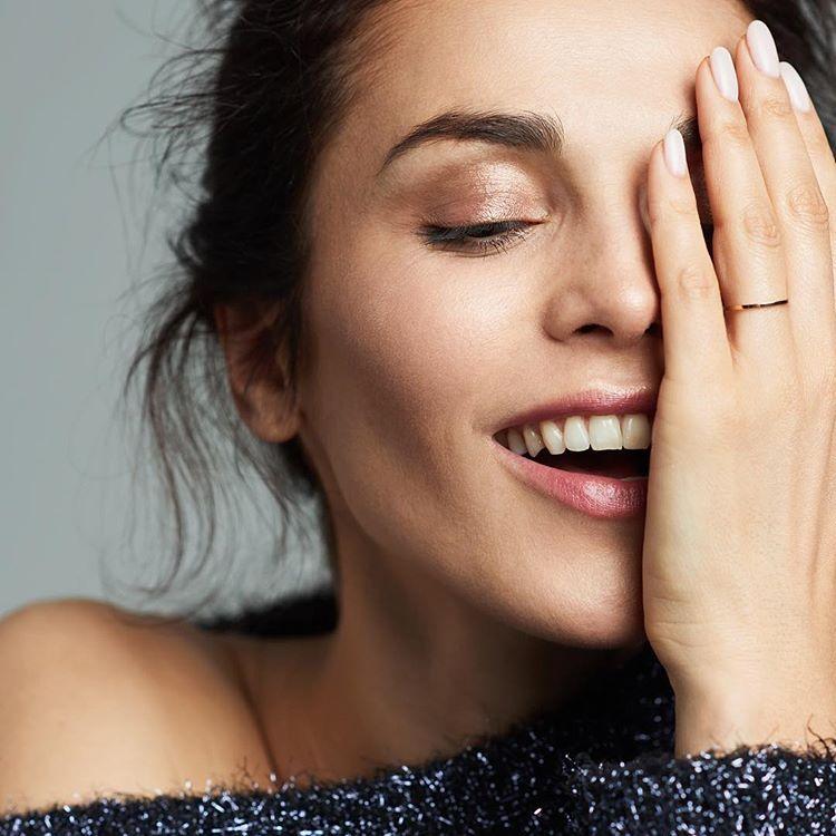 Сати Казанова разыгрывает кольцо с бриллиантами