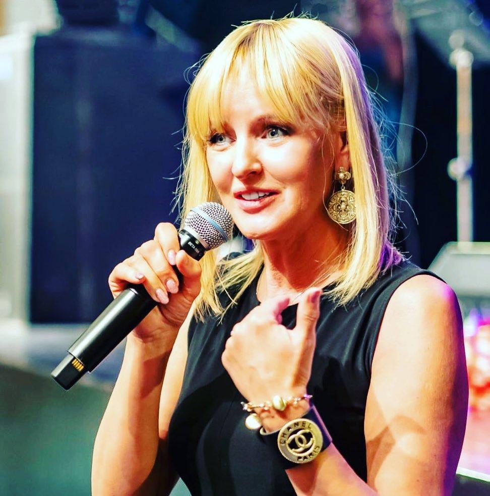 Как подружки! Певица Светлана Лазарева показала красавицу-дочку