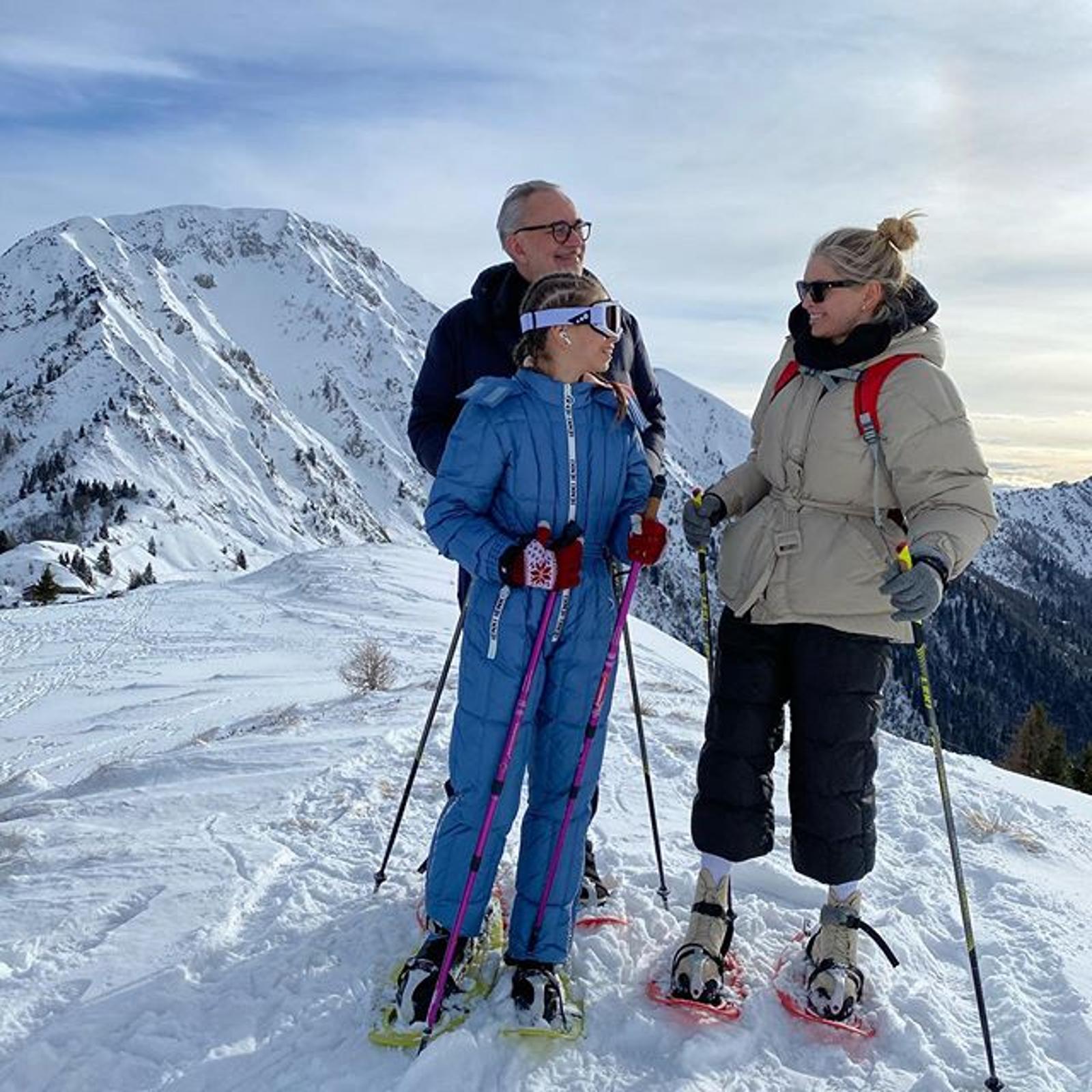 Сарочка, Верочка и Константин! Брежнева отдыхает в горах с семьей