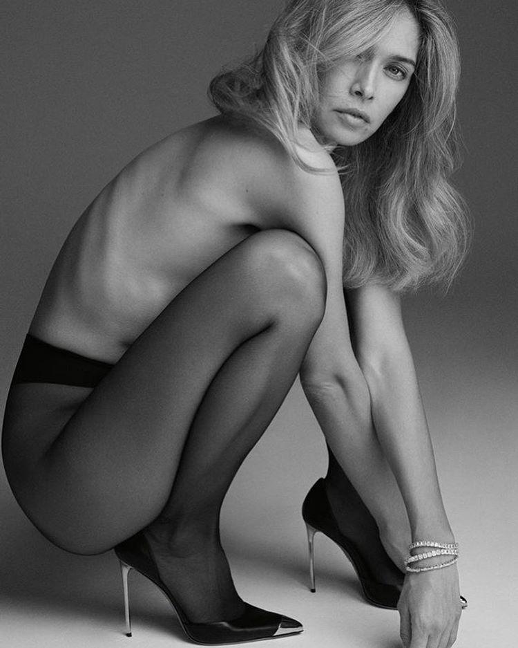Ему нравится, когда я без одежды: Вера Брежнева открыла интимные подробности отношений с мужем