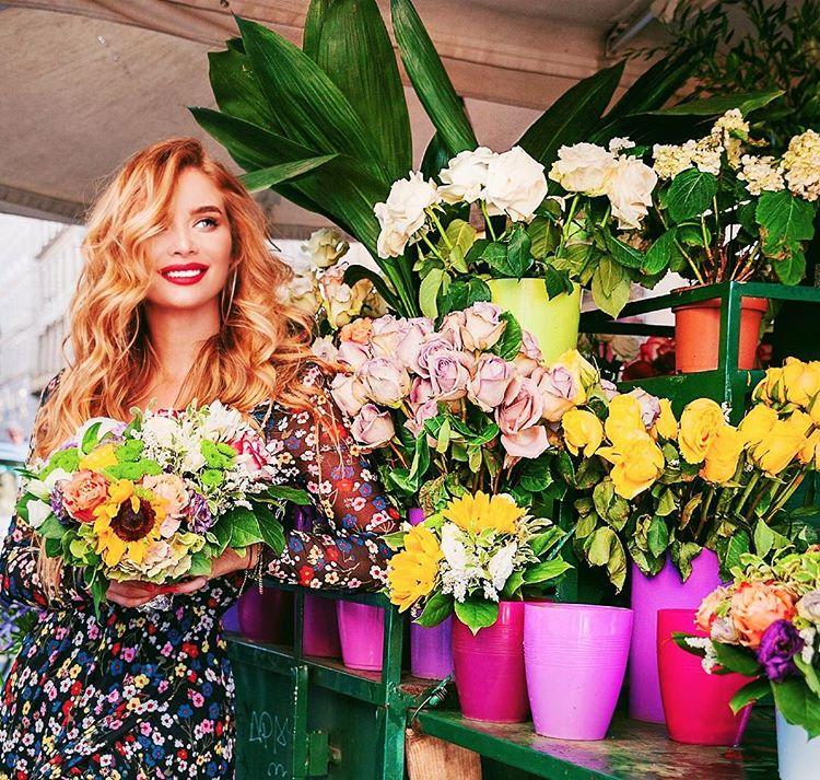"""Татьяна Котова: кто не получит завтра цветов, тому пора сказать мужчине """"пока"""""""