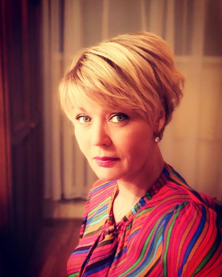 Юлия Меньшова опубликовала редкие архивные (и не только!) кадры знаменитой матери