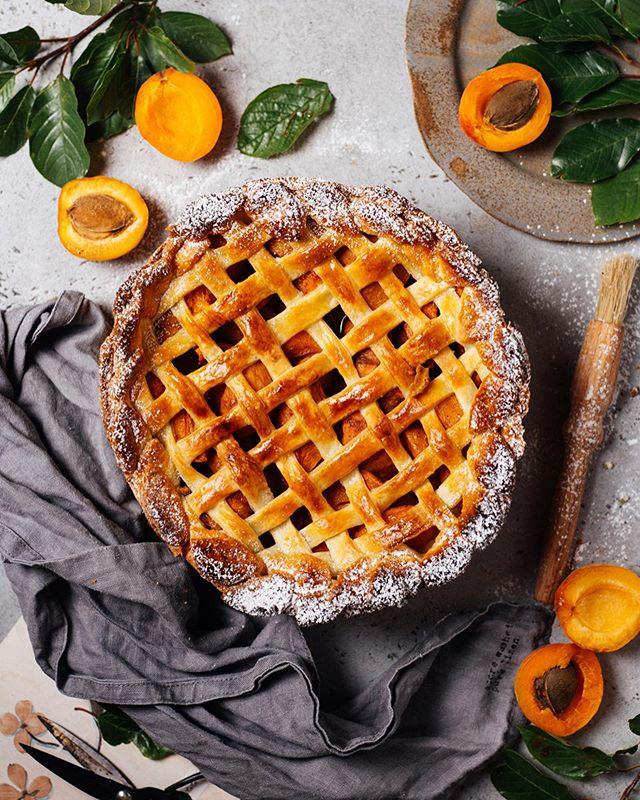 Салат, джем и пирог: что приготовить из ароматных абрикосов