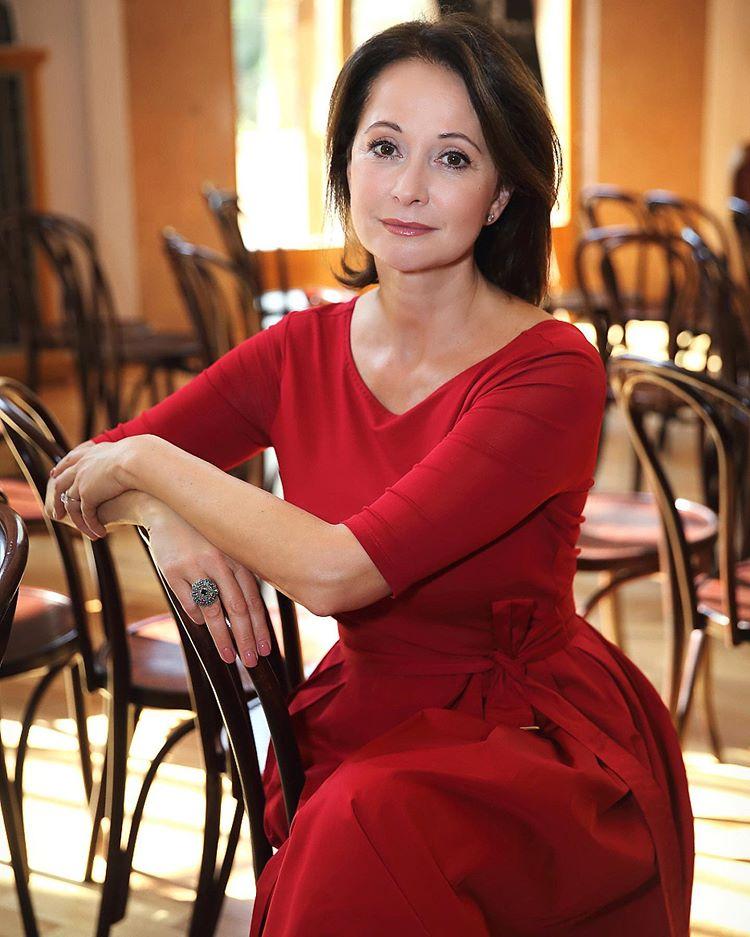 Ольга серябкина фото без макияжа частности