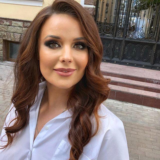 Детское лицо: Оксана Федорова опубликовала фото без макияжа