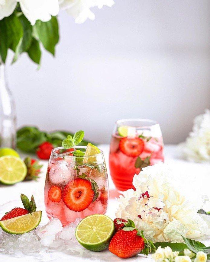 Вкусное охлаждение: почему в жару вам обязательно стоит попробовать домашний лимонад