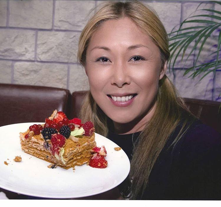 Анита Цой объявила бойкот тортам и пирожным
