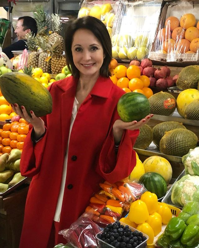 Хожу по рядам, торгуюсь: Ольга Кабо призналась, что обожает закупаться на рынке