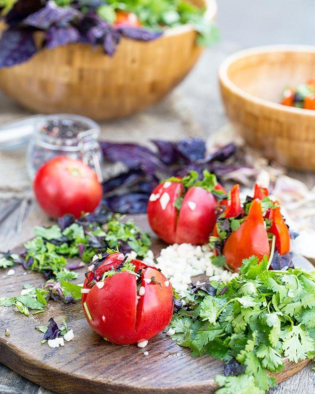На закуску! Готовим быстрые маринованные овощи к воскресному шашлыку