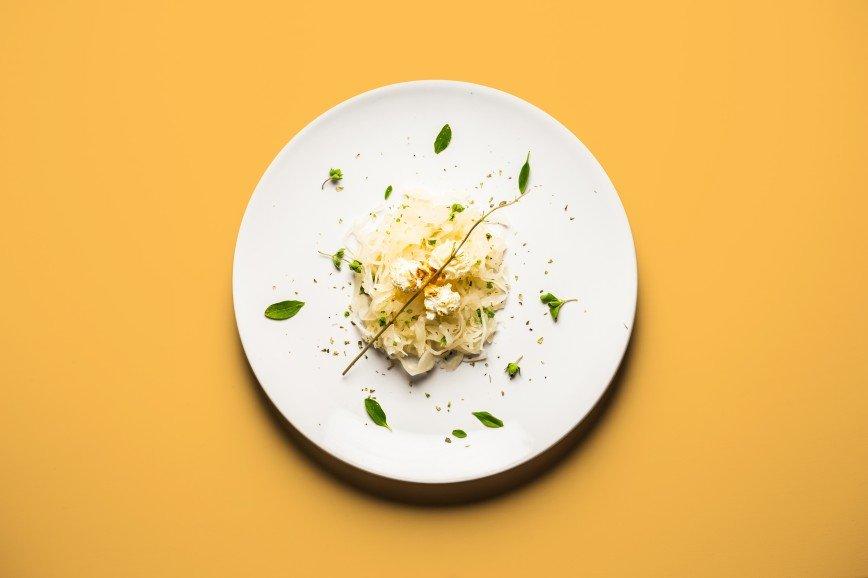 Еда для двоих: что едят беременные женщины: [b]Попкорн с квашеной капустой[/b]  [b]Ингредиенты:[/b]  квашеная капуста 1 банка  попкорн упаковка  [b]Как готовить:[/b]  1. Разогреть
