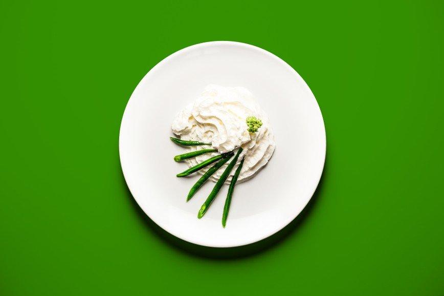Еда для двоих: что едят беременные женщины: [b]Фасоль со взбитыми сливками[/b]  [b]Ингредиенты:[/b]  зеленые стручки фасоли 50 гр.  взбитые сливки банка  [b]Как приготовить:[/b]