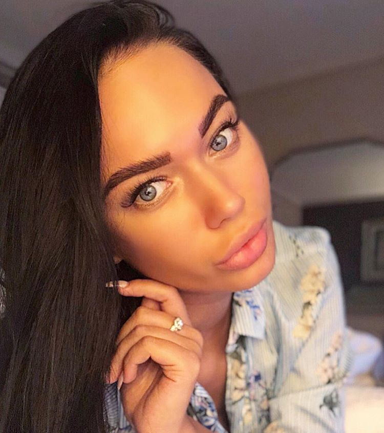Яна Кошкина предстала перед фанатами без макияжа