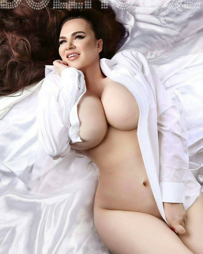 Невероятная грудь Лекси Лу