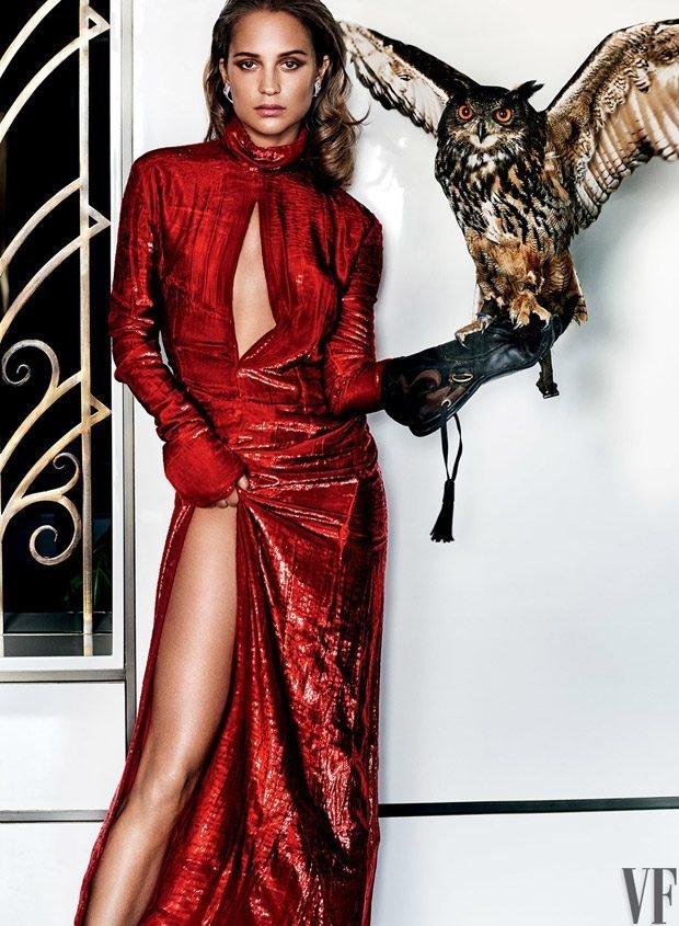 Алисия Викандер на обложке журнала Vanity Fair