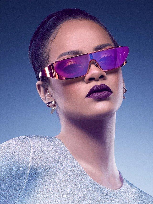 Певица Рианна выпустила коллекцию очков совместно с Dior