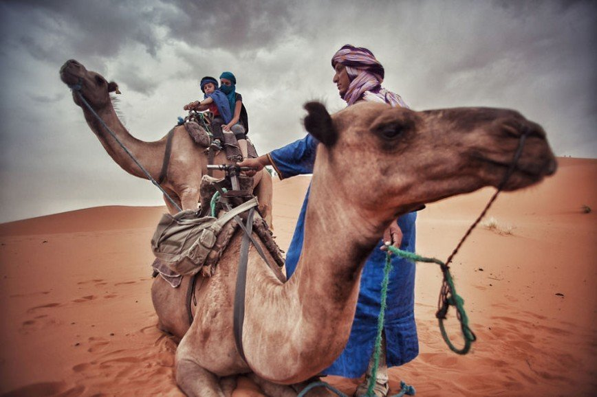 Путешествие по Европе на мотоцикле: [b][i]Поездка на верблюдах, Сахара, Марокко[/b][/i]