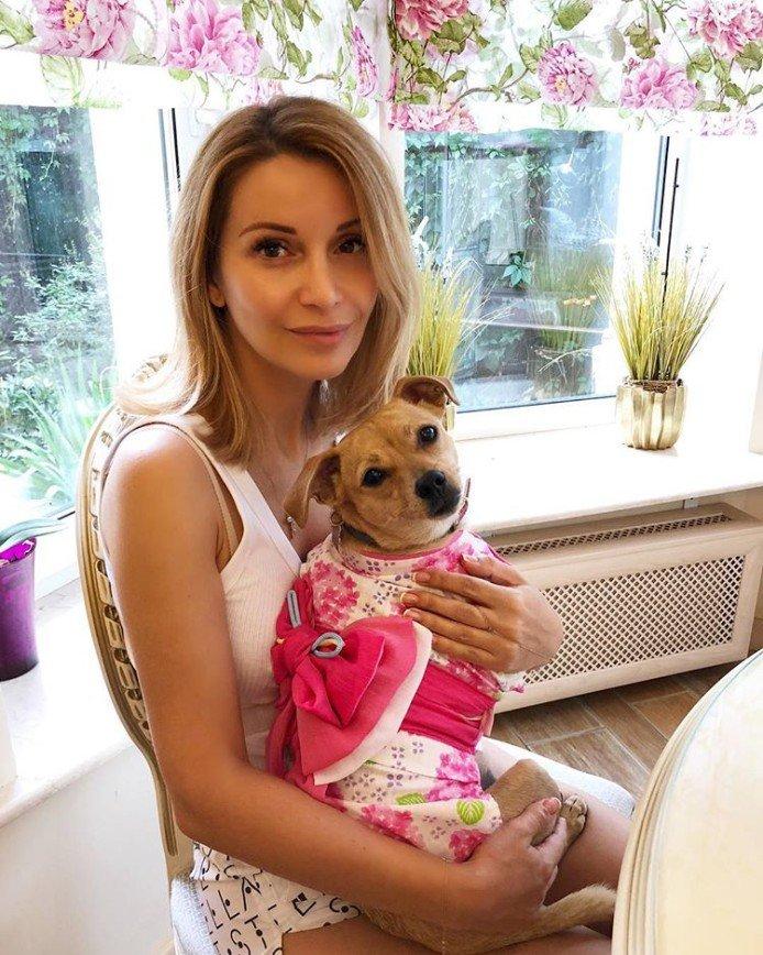 Привет из Японии: Ольга Орлова одевает свою собачку в кимоно
