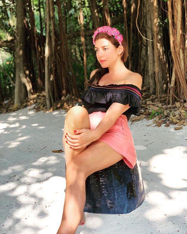 Редкий кадр: 41-летняя Жасмин опубликовала фото без макияжа