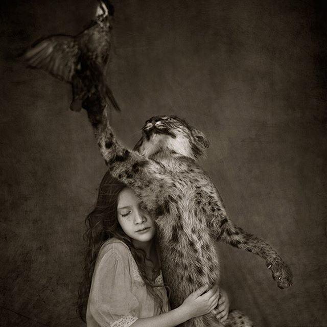 Потрясающие фото детей и диких животных: