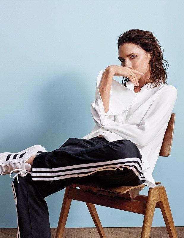 Виктория Бекхэм выбирает белую рубашку