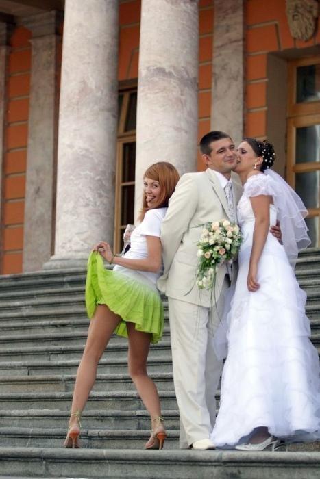 Откровенные фотки невест дома, есть ли нормальный сайт секс знакомства