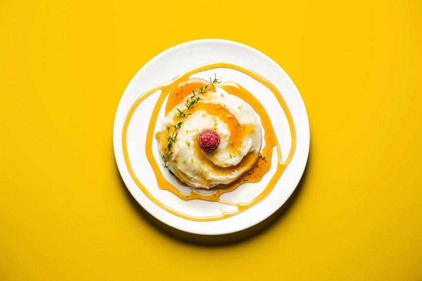 Еда для двоих: что едят беременные женщины: [b]Картофельное пюре с карамельным соусом[/b]  [b]Ингредиенты:[/b]  картофель 250 гр.  масло 10 гр.  молоко 60 мл.
