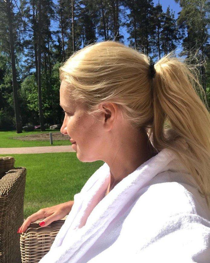 «Серая мышка»: в сети рассматривают Екатерину Одинцову без макияжа
