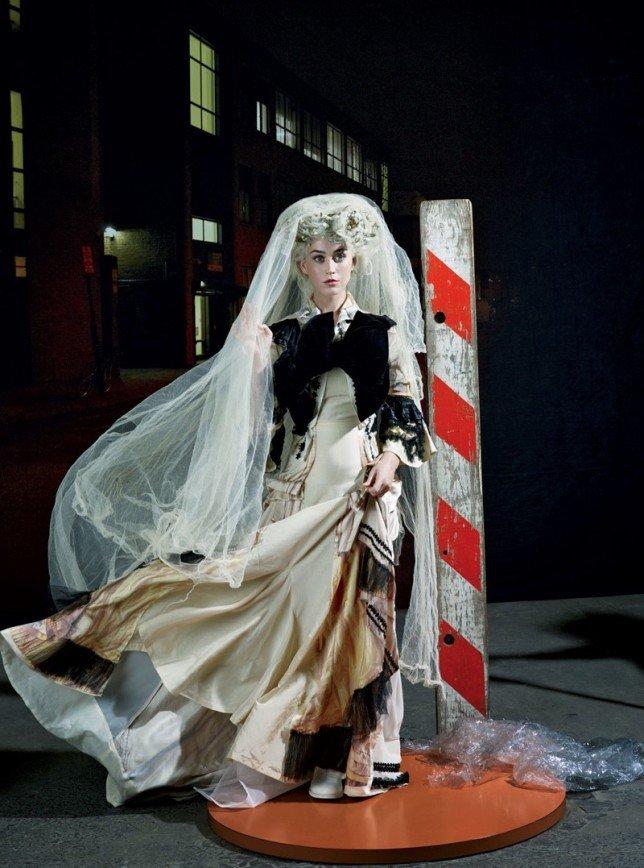 Кэти Перри выбирает странные наряды: