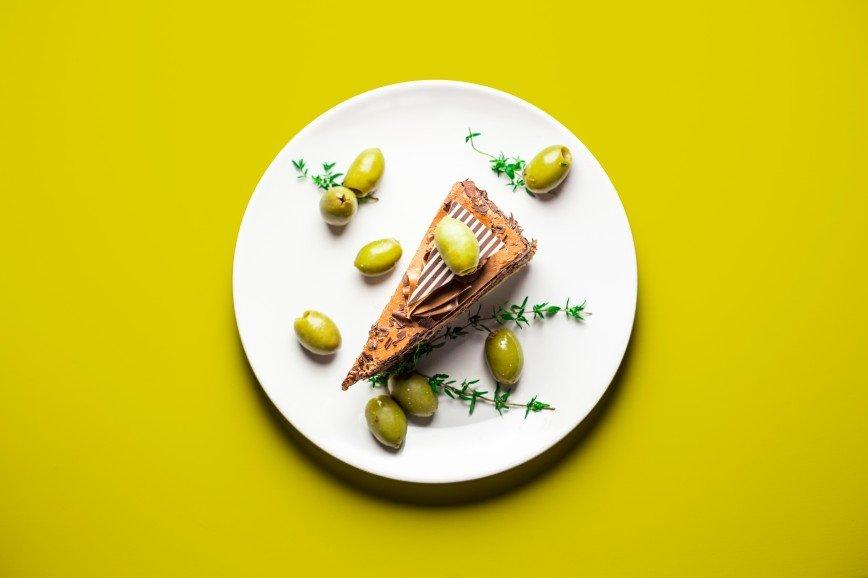 Еда для двоих: что едят беременные женщины: [b]Шоколадно-оливковый торт[/b]  [b]Ингредиенты:[/b]  мука 500 гр.  сахарная пудра 500 гр.  какао несладкий 100 гр.  яйца