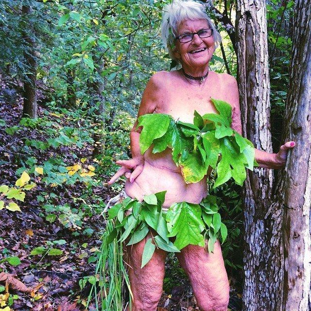голые бабушки старушки фото