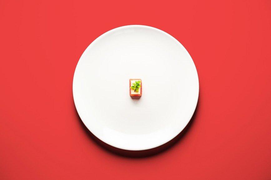 Еда для двоих: что едят беременные женщины: [b]Сливочный арбуз[/b]  [b]Ингредиенты:[/b]  арбуз 1/4 часть  масло 200 гр.  [b]Как приготовить:[/b]  1. Порежьте арбуз на