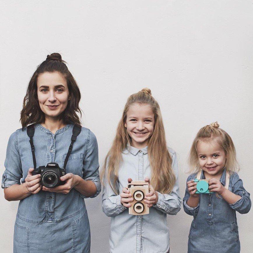 Картинки мама с дочками двумя