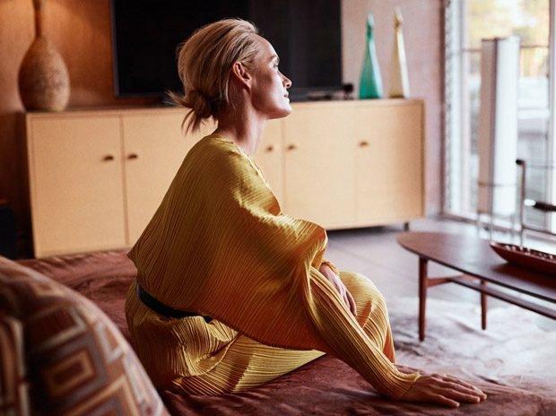 Эмбер Валлетта: красавица в желтом: