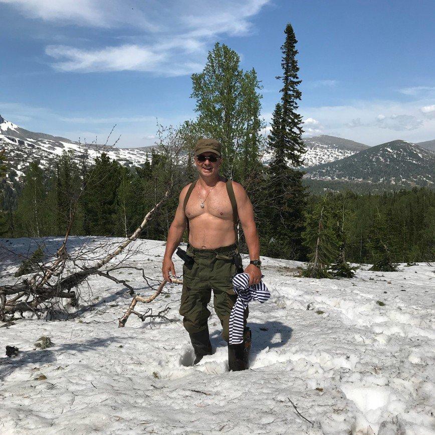 Завидую альпинистам и космонавтам: доктор Мясников рассказал о себе