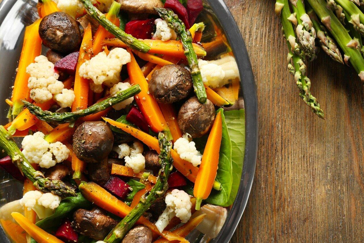 Три рецепта салатов, которые заменят полноценный обед