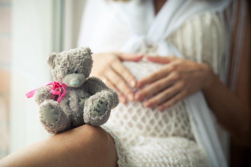 Беременность — не болезнь: доктор Комаровский дал советы будущим мамам